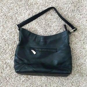 Sorial black purse